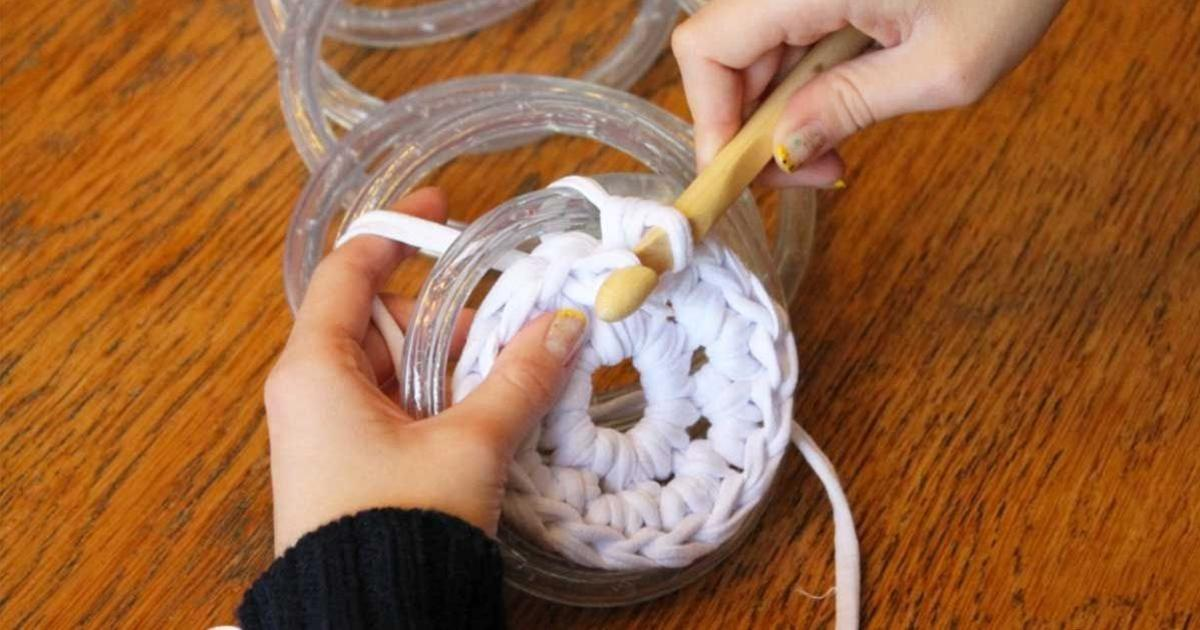 She knitted a spiral over a chain of LED lights - now her trick is spreading around the internet like wildfire!