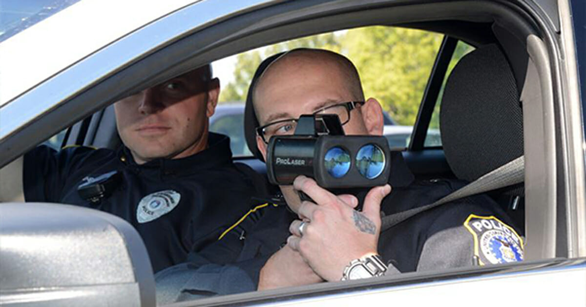 With this simple trick you will never get a speeding ticket from the police ever again