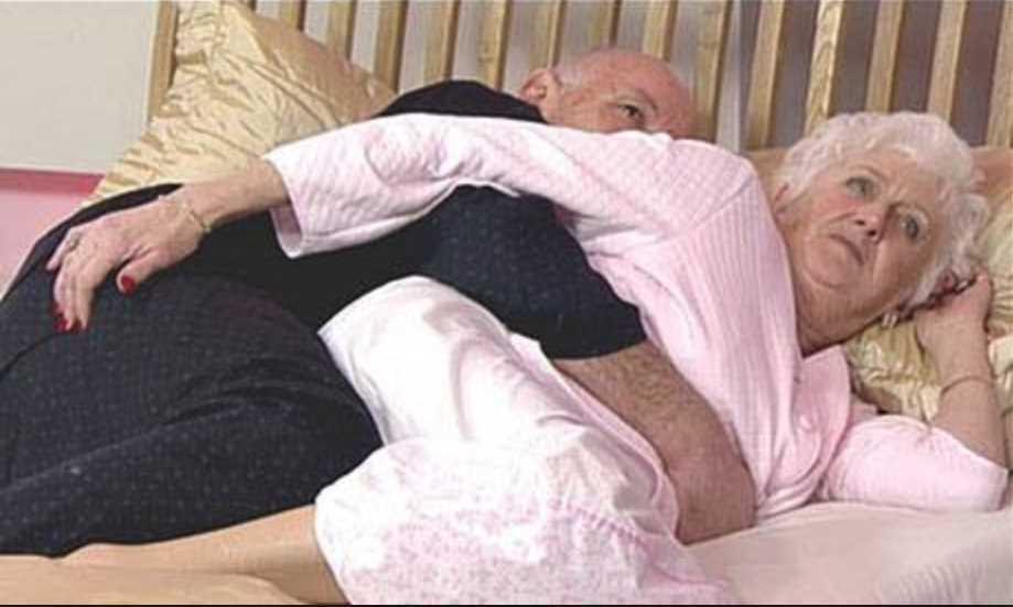 Трахание с пожилыми людьми-видео